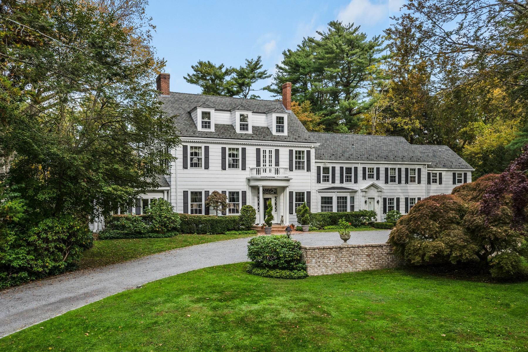 واحد منزل الأسرة للـ Sale في 555 Remsens Ln 555 Remsens Ln, Upper Brookville, New York, 11771 United States