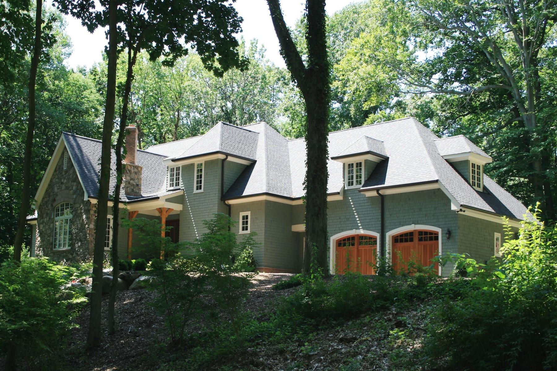 獨棟家庭住宅 為 出售 在 Traditional 20 Beech Hill Rd Lloyd Harbor, 紐約州, 11743 美國