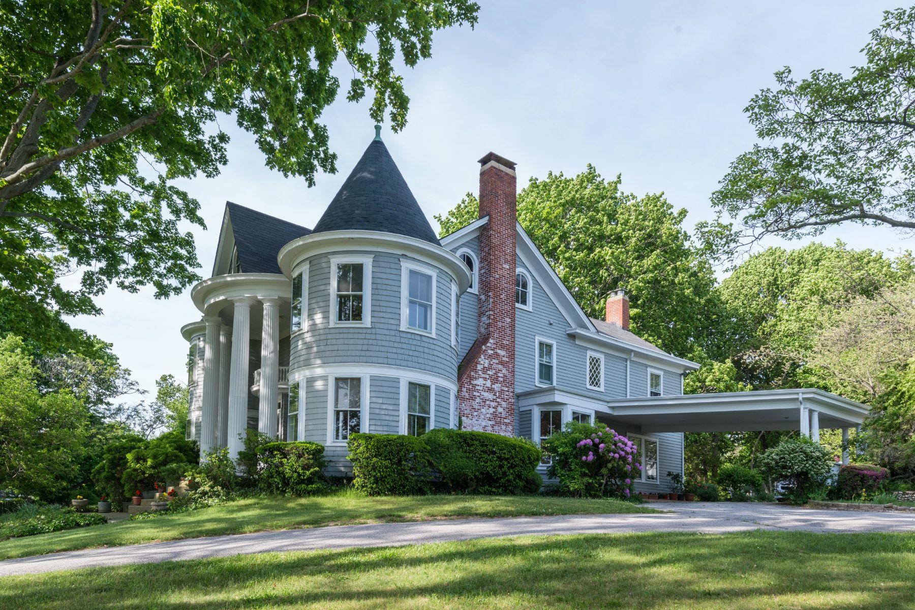 Casa para uma família para Venda às Architecturally Significant 65 Van Brunt Manor Rd Setauket, Nova York, 11733 Estados Unidos