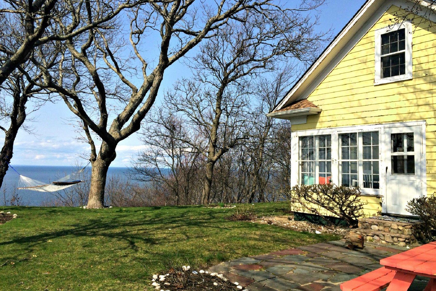 獨棟家庭住宅 為 出售 在 Cottage 4518 Sound Ave Riverhead, 紐約州, 11901 美國