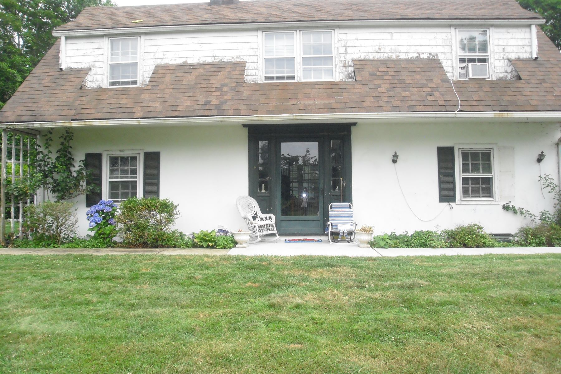 Single Family Home for Sale at Cottage Old Westbury, New York, 11568 United States