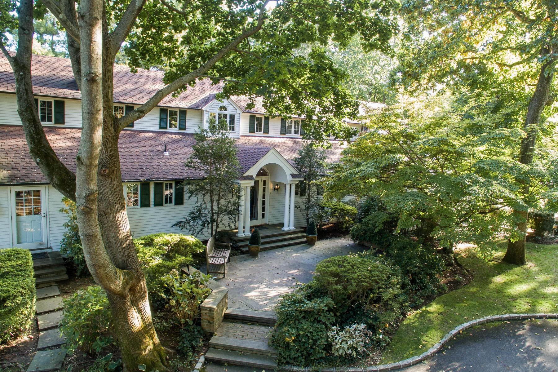 Vivienda unifamiliar por un Venta en Colonial 134-5 Wheatley Rd Brookville, Nueva York, 11545 Estados Unidos