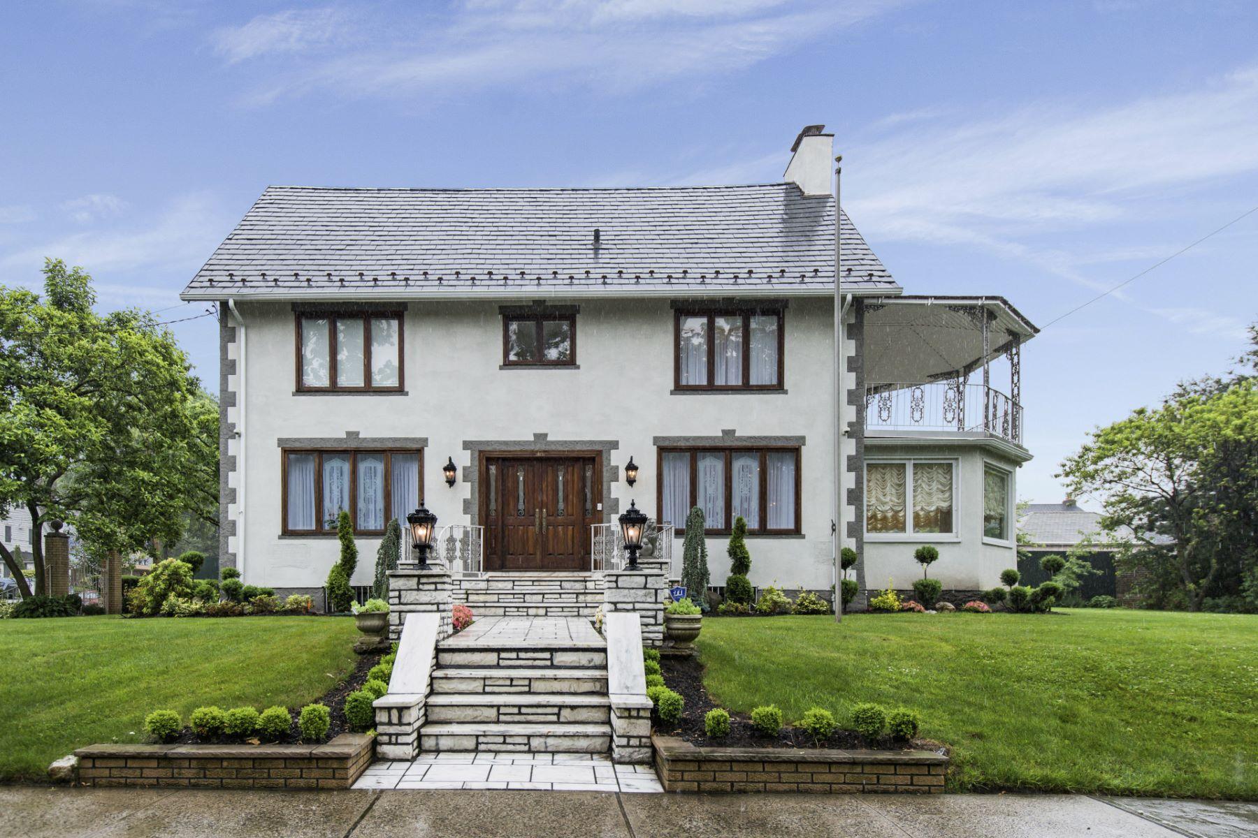 Частный односемейный дом для того Продажа на Colonial 2 Summit Pl Malba, Нью-Йорк, 11357 Соединенные Штаты