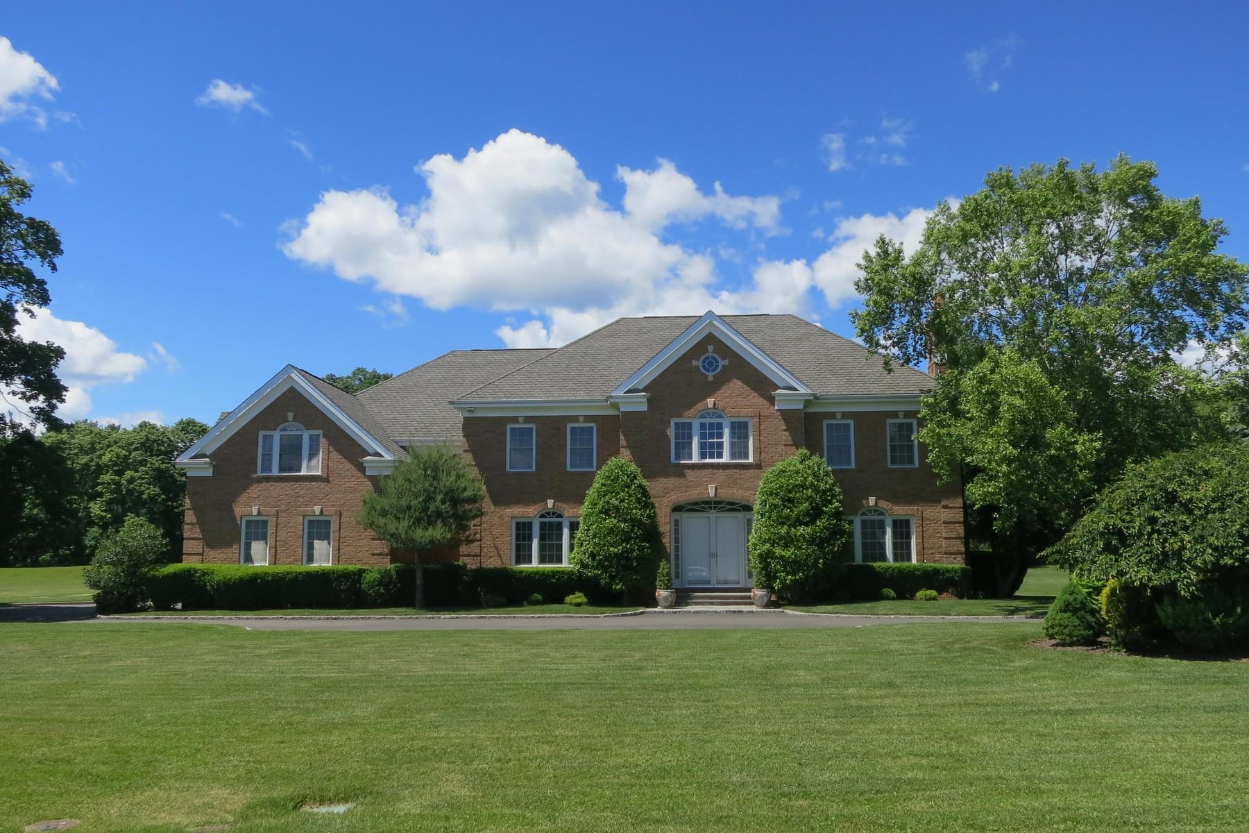 Villa per Vendita alle ore North Shore Gold Coast Colonial Muttontown, New York, 11732 Stati Uniti