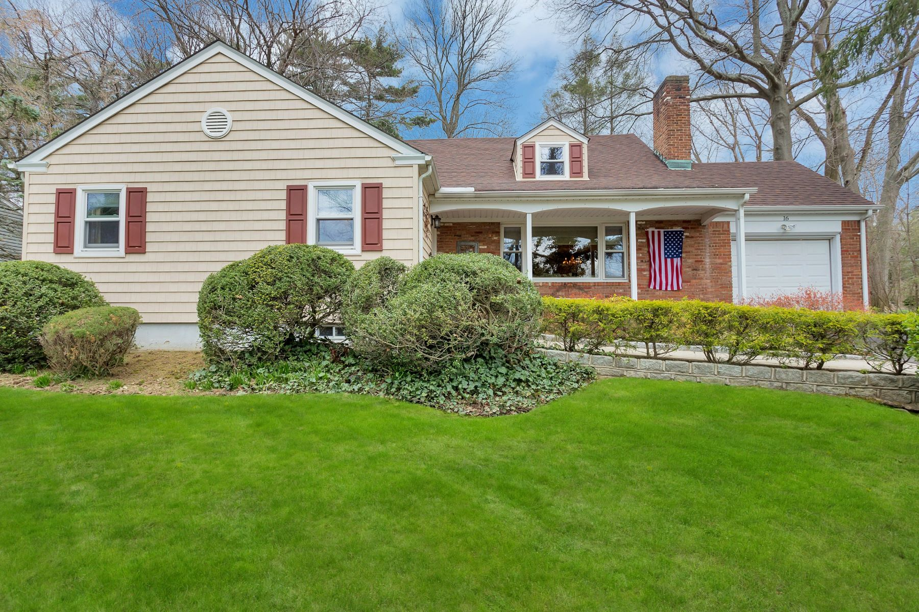 Single Family Home for Sale at Farm Ranch 16 Northfield Rd Glen Cove, New York, 11542 United States