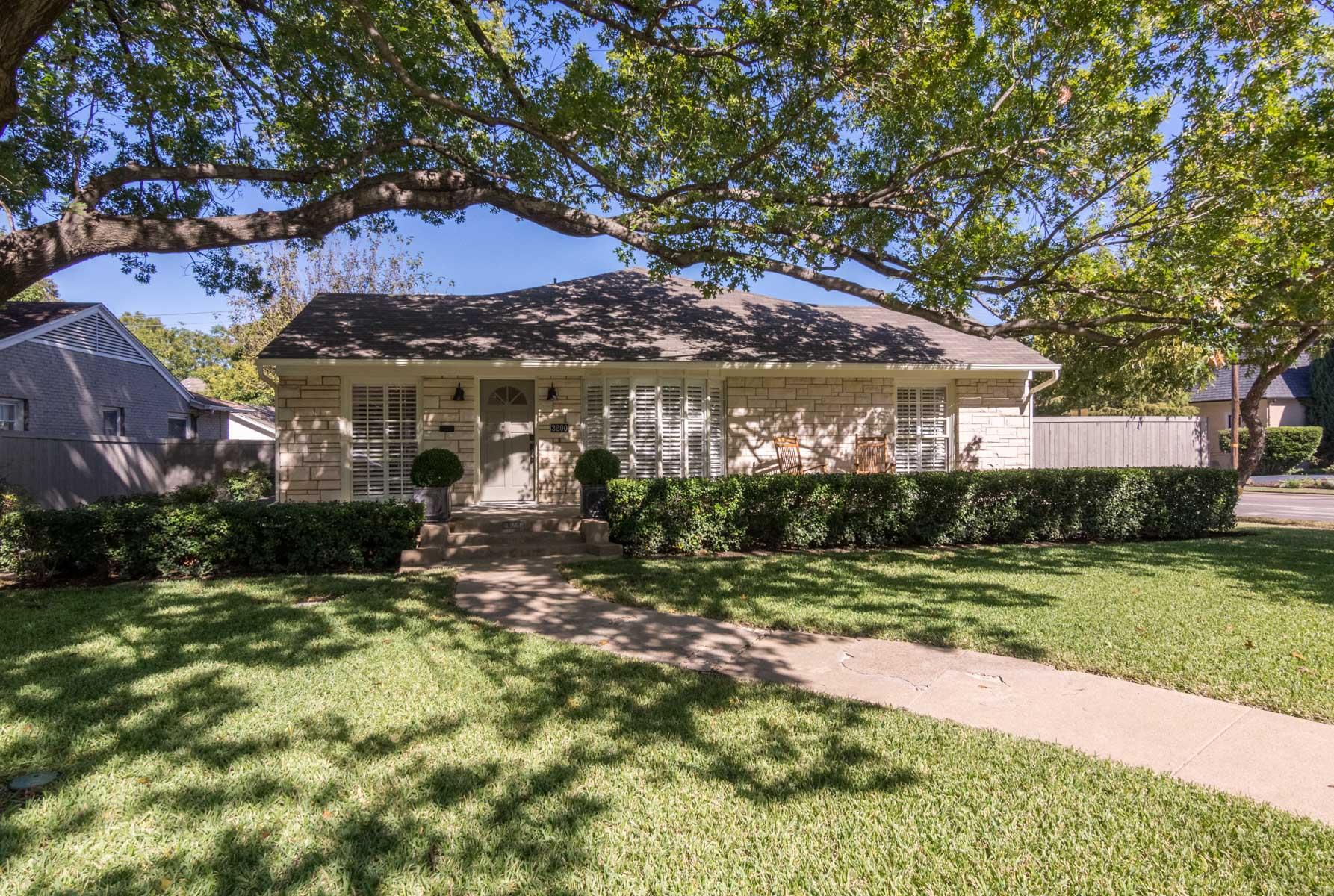 Casa para uma família para Venda às 3200 Lovers Ln, Dallas Dallas, Texas, 75225 Estados Unidos