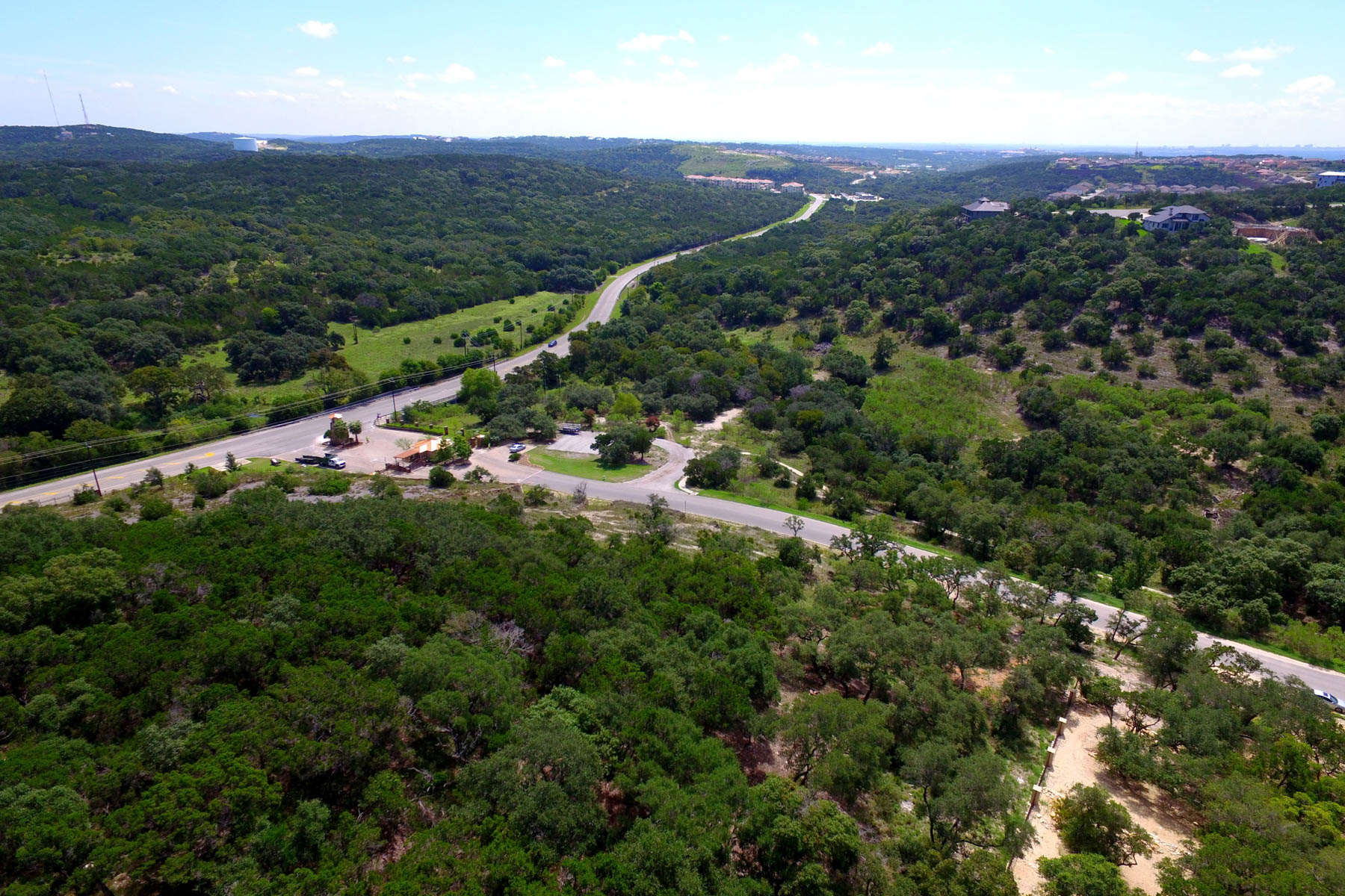 Additional photo for property listing at Exceptional Hill County Property Within the City 19711 Terra Mont San Antonio, Texas 78255 Estados Unidos