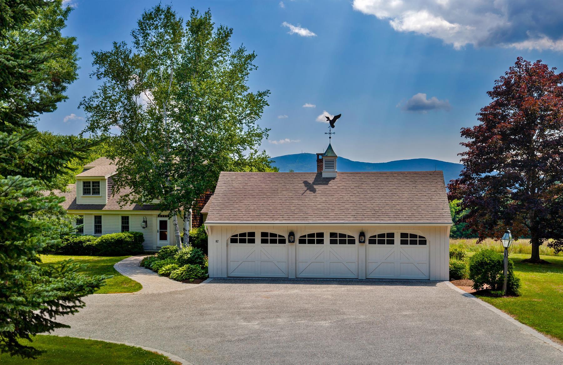 Maison unifamiliale pour l Vente à 82 Old Coach, New London New London, New Hampshire 03257 États-Unis