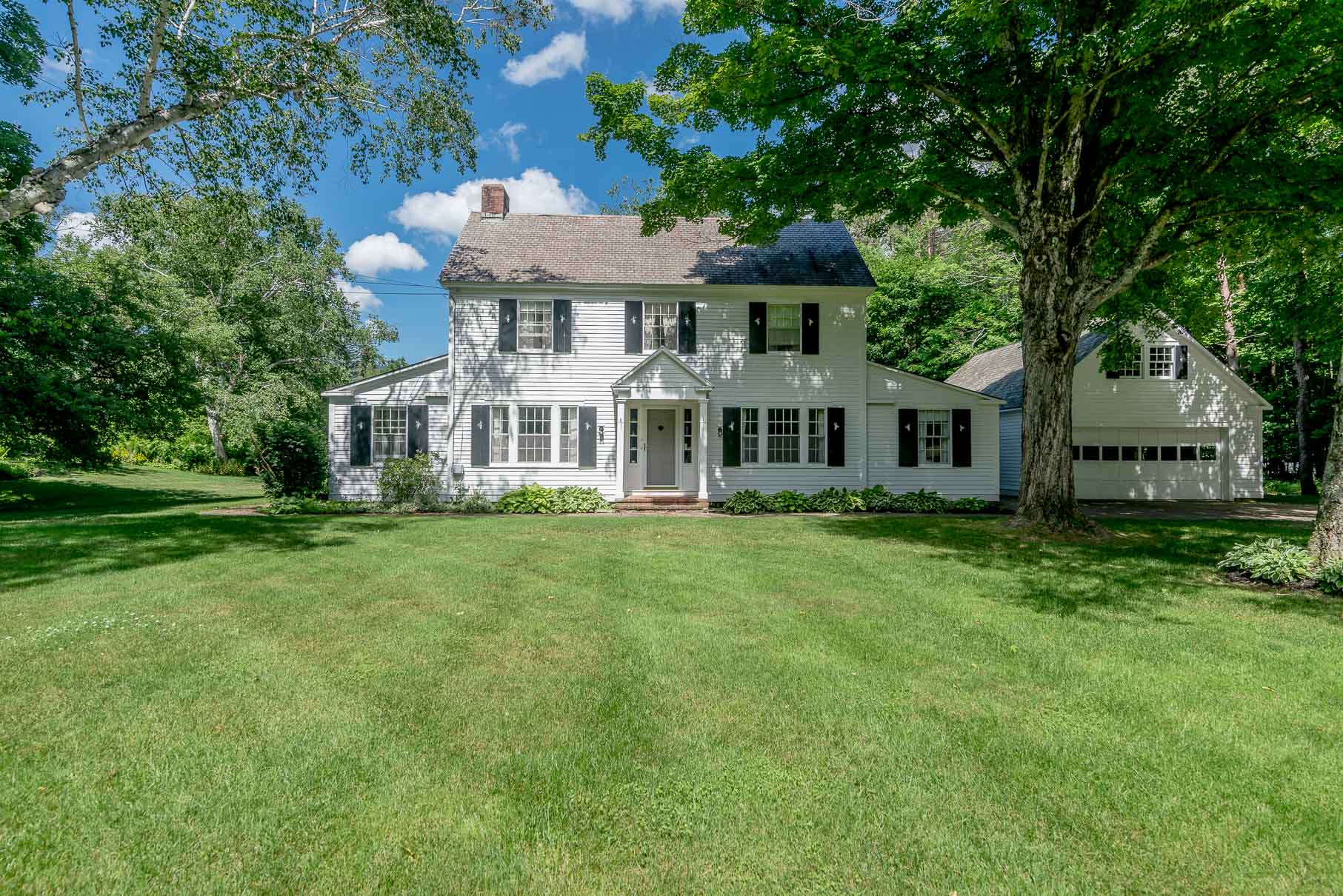 Single Family Home for Sale at Dream Starter! Traditional Center Hall Colonial. 2804 Dorset West Rd Dorset, Vermont, 05251 United States