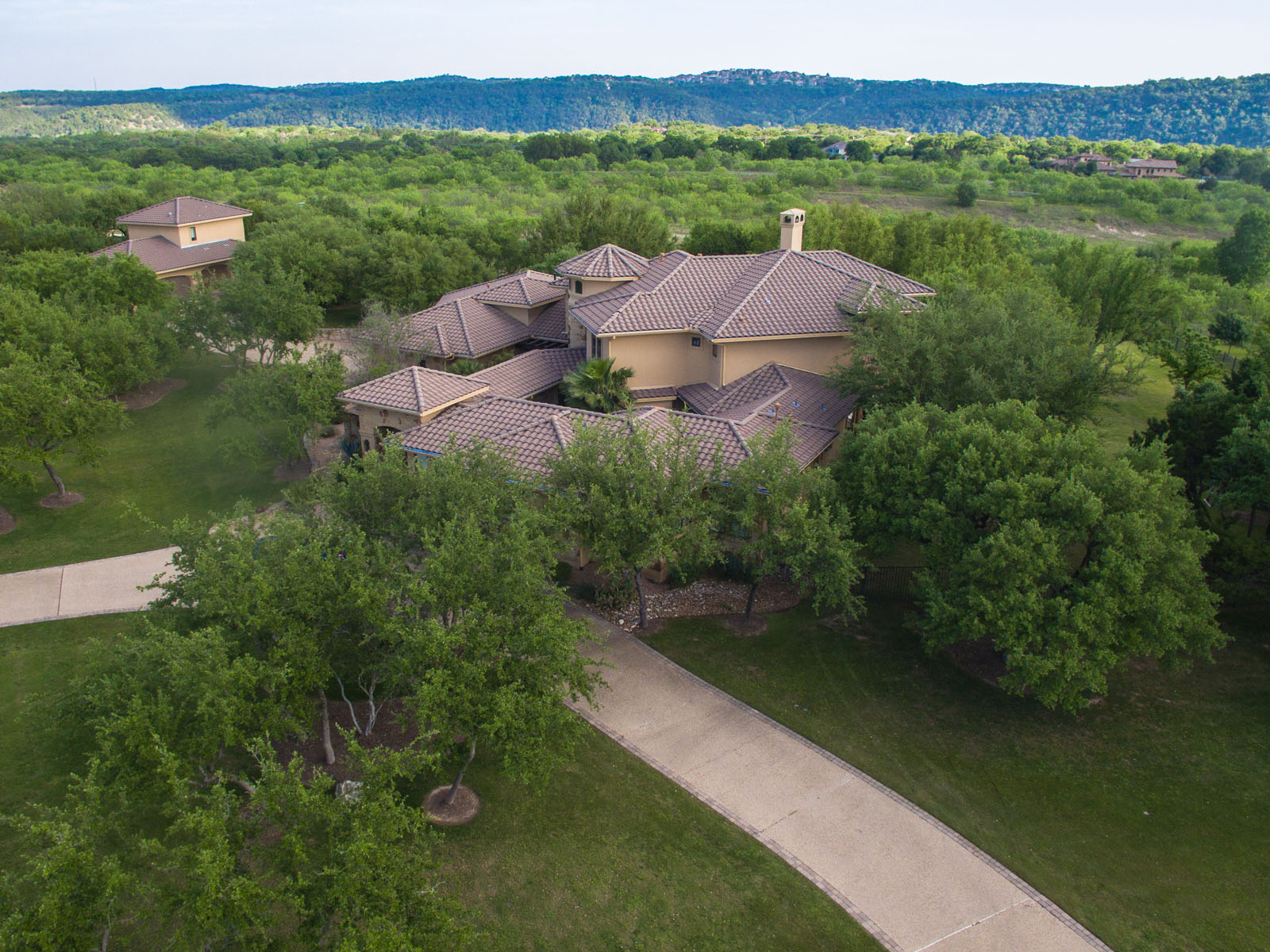Additional photo for property listing at Luxury Estate in River Bend 13011 Perryton Dr Austin, Texas 78732 United States
