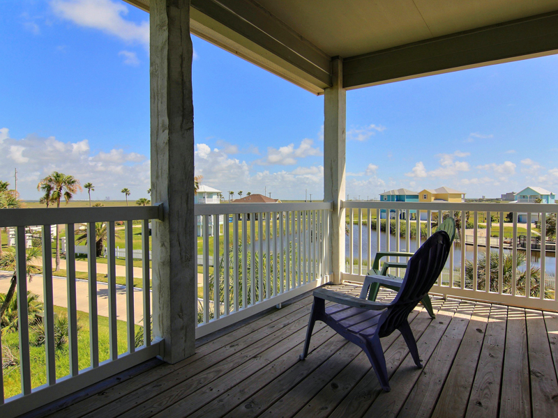 Additional photo for property listing at Beachfront Home in Port Aransas 14717 La Concha Port Aransas, Texas 78373 Estados Unidos
