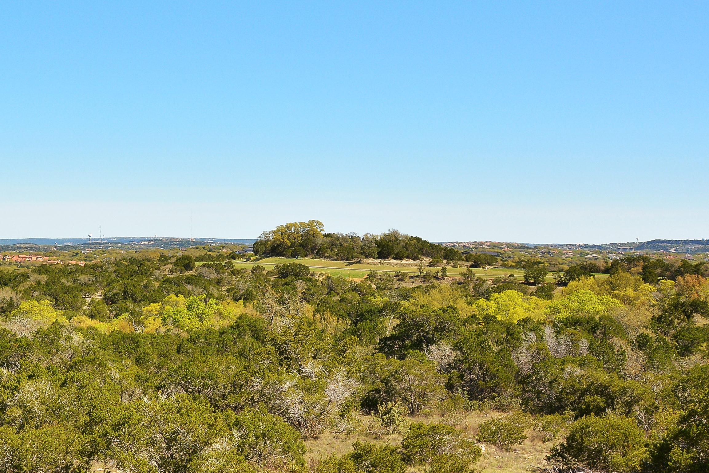土地 为 销售 在 50 Mile Panoramic Views 8718 Southwest Pkwy 1 & 2 奥斯丁, 得克萨斯州, 78735 美国