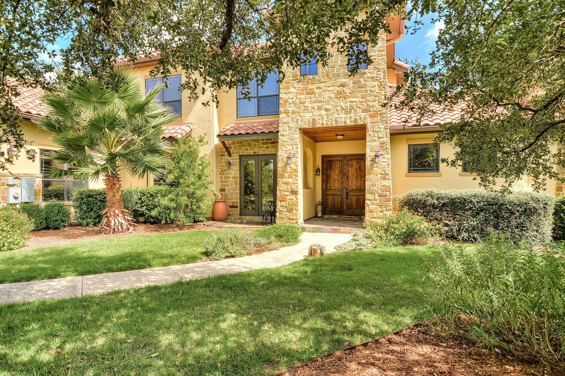Casa Unifamiliar por un Venta en Fabulous Mediterranean Home in Menger Springs 108 Cabin Springs Boerne, Texas 78006 Estados Unidos