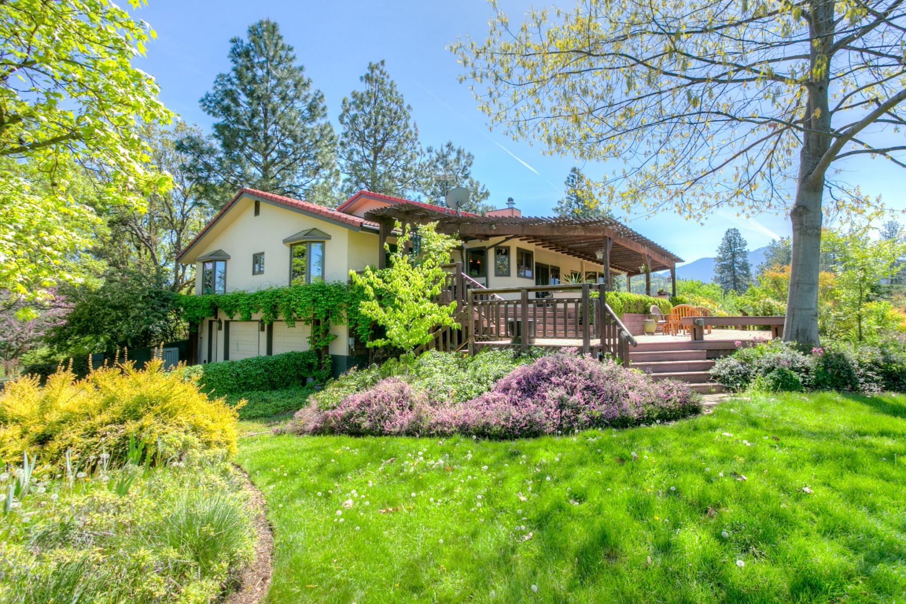 Maison unifamiliale pour l Vente à Talent Vineyard Estate 7140 Rapp Ln Talent, Oregon, 97540 États-Unis