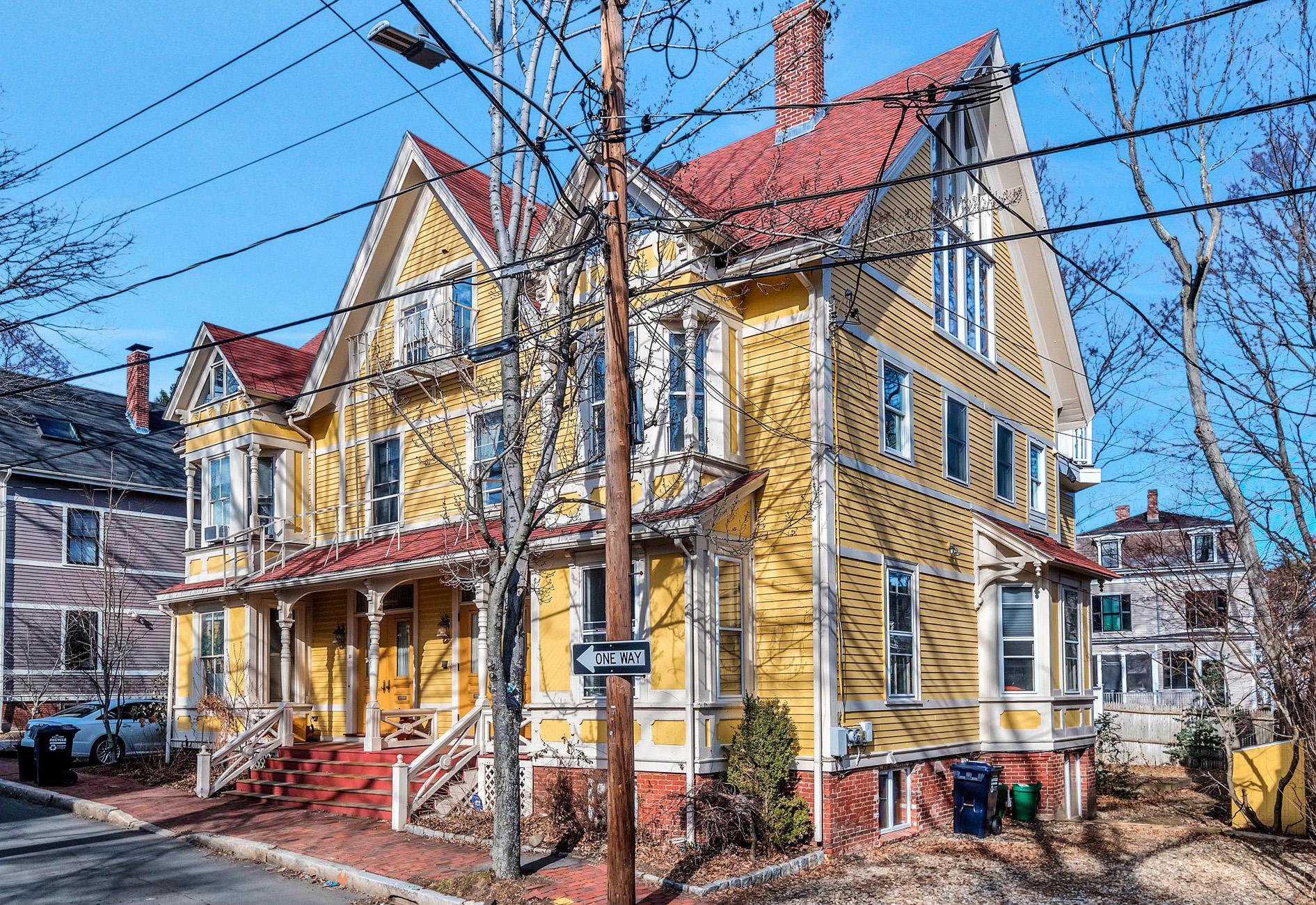 Condominio per Vendita alle ore 21 Lancaster Street A, Cambridge 21 Lancaster St A Cambridge, Massachusetts, 02140 Stati Uniti