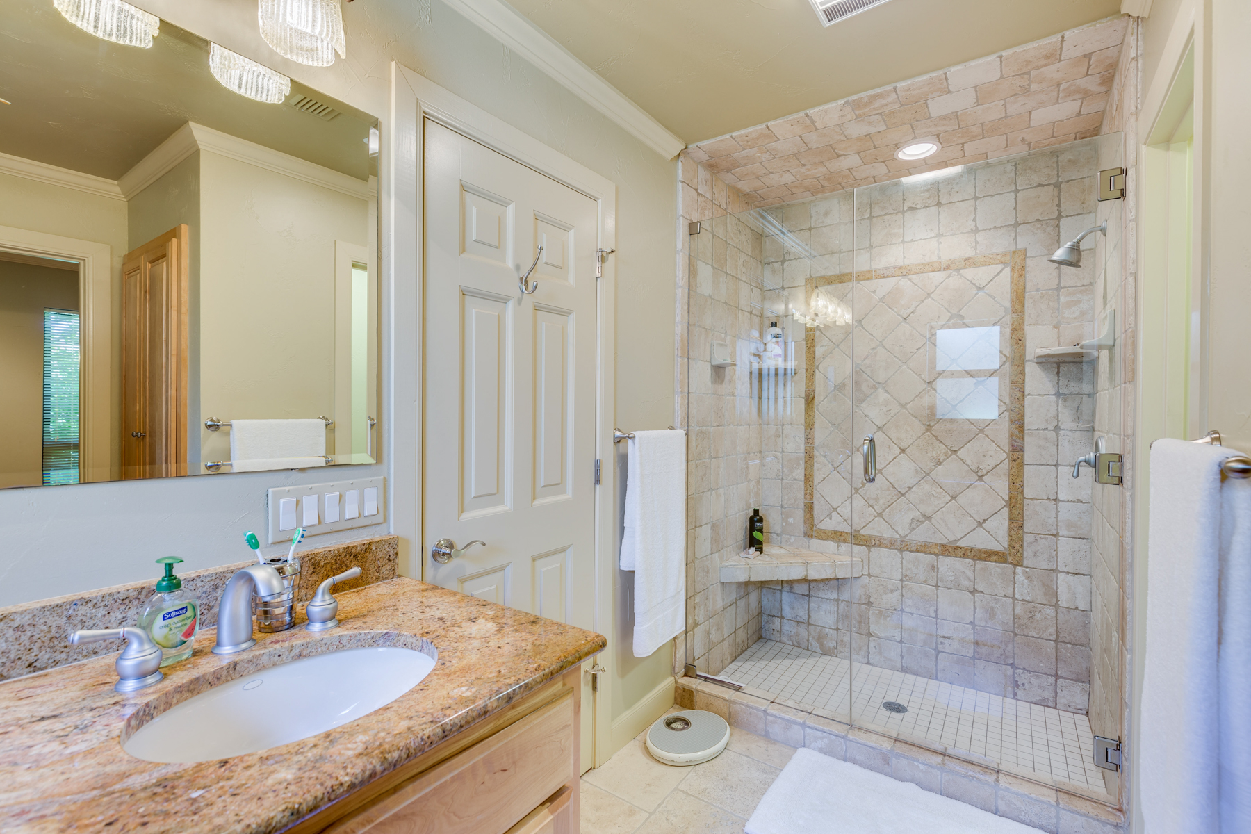 Additional photo for property listing at Spectacular Property in Boerne 141 Cascade Caverns Rd Boerne, Texas 78006 Estados Unidos