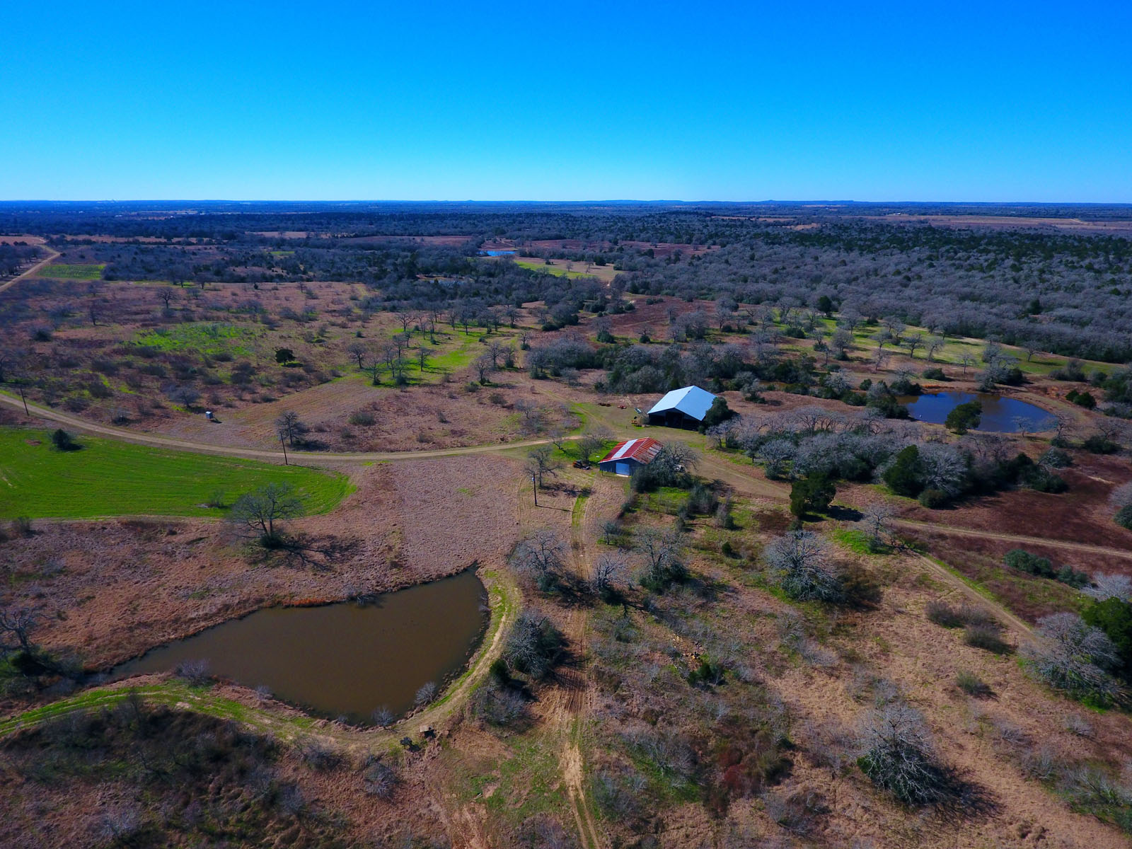 Granjas / Hacienda / Platanción por un Venta en Hunting Paradise on 421 Acres 1404 CR 444 Waelder, Texas 78629 Estados Unidos
