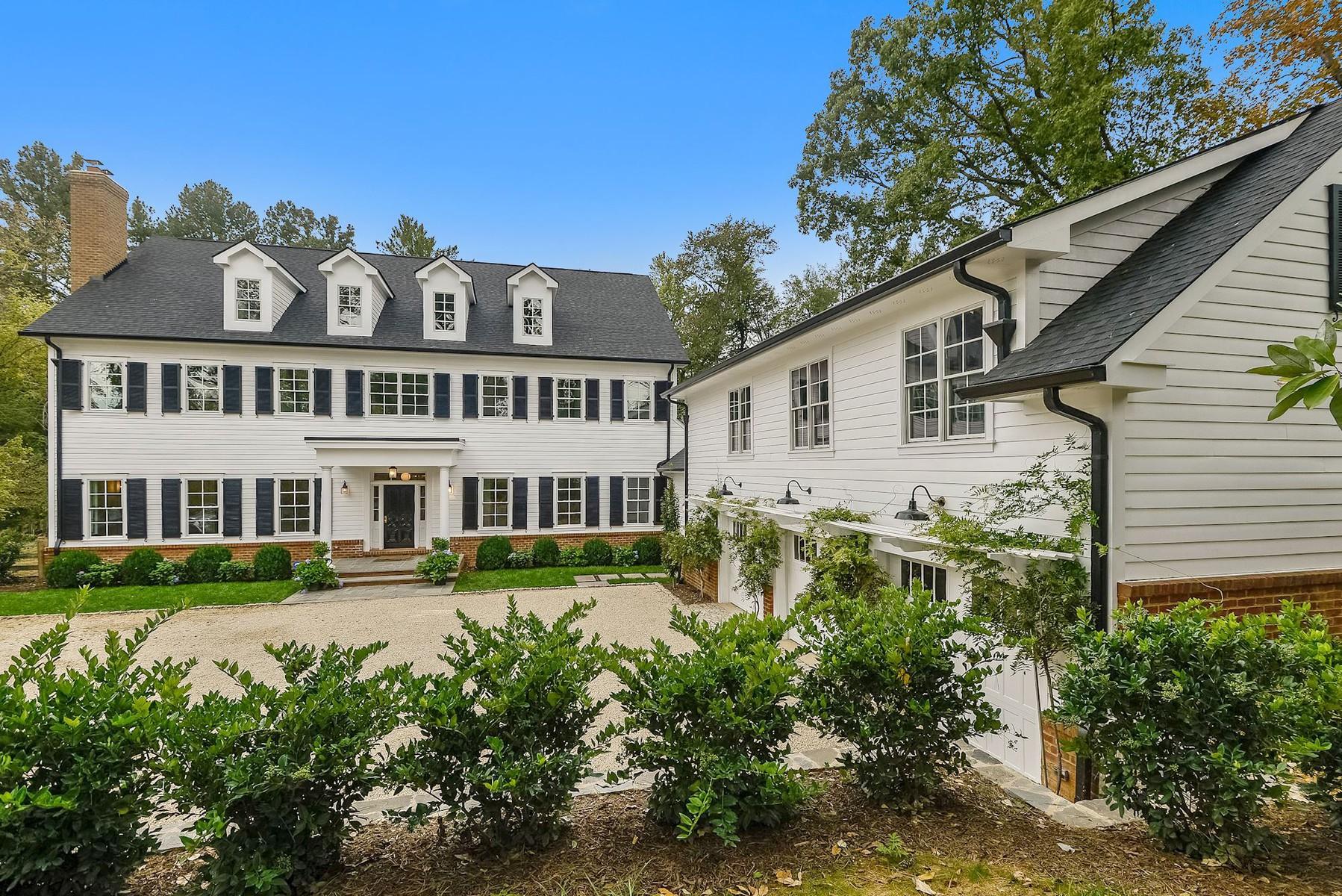 단독 가정 주택 용 매매 에 6349 Georgetown Pike, Mclean McLean, 버지니아, 22101 미국