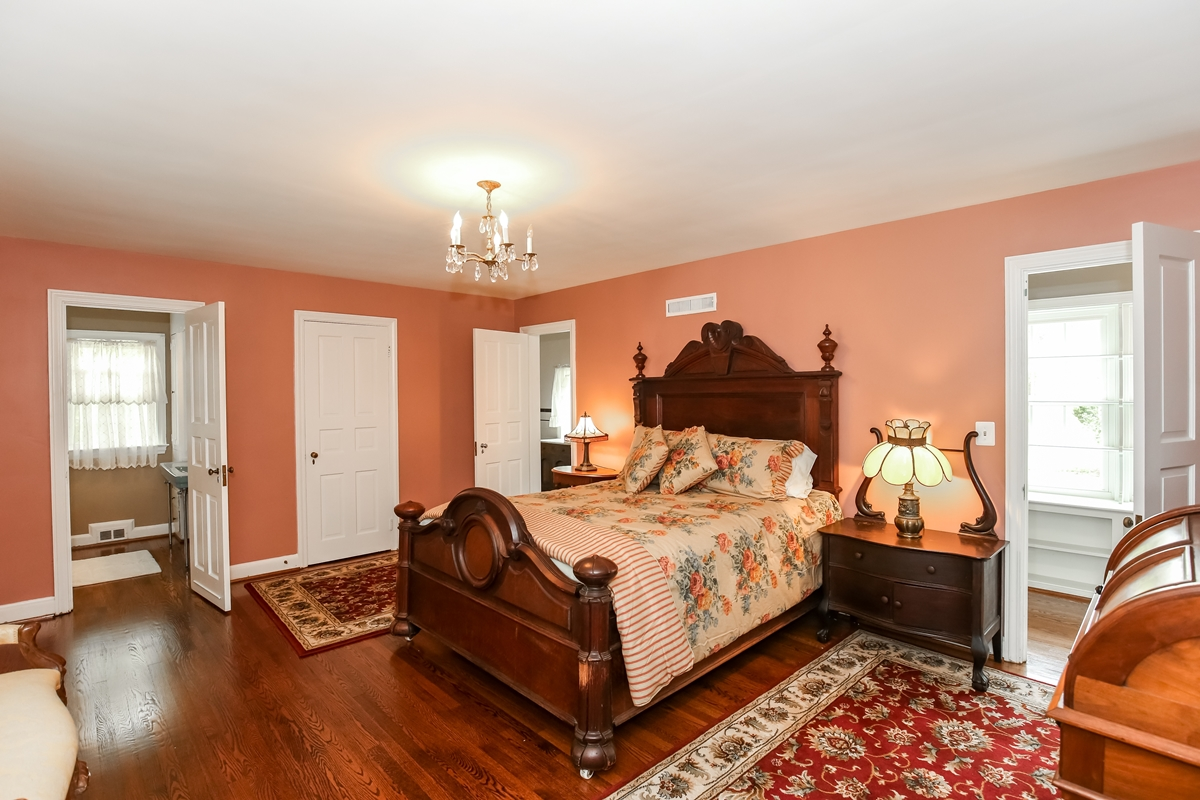 Additional photo for property listing at 200 Warrenton Drive, Silver Spring  Silver Spring, Maryland 20904 Estados Unidos