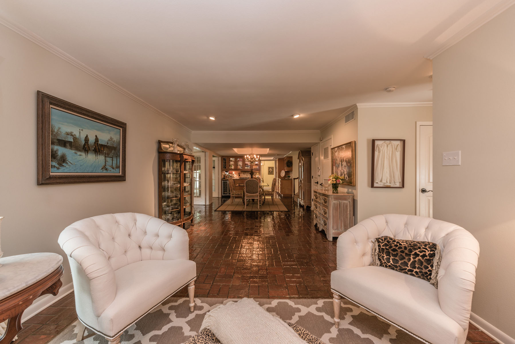 Additional photo for property listing at Beautiful Southern Country Estate 566 Canyon Rim Dr Austin, Texas 78746 United States