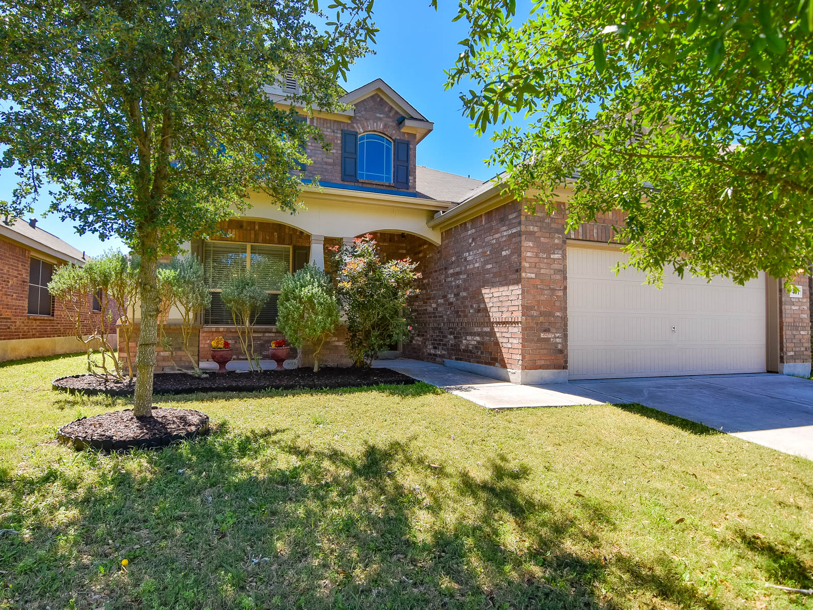 Single Family Home for Sale at Gently Lived in Home in Cibolo Valley Ranch 401 Prickly Pear Dr Cibolo, Texas 78108 United States