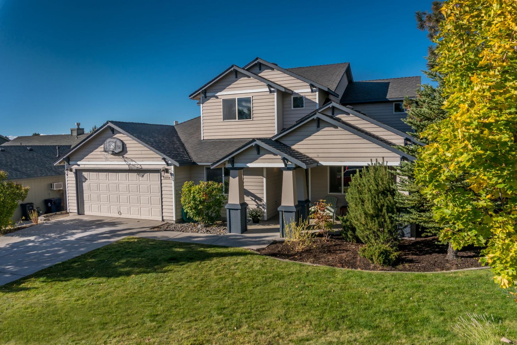 独户住宅 为 销售 在 19994 SW Rock Bluff Circle, BEND 本德, 俄勒冈州, 97702 美国