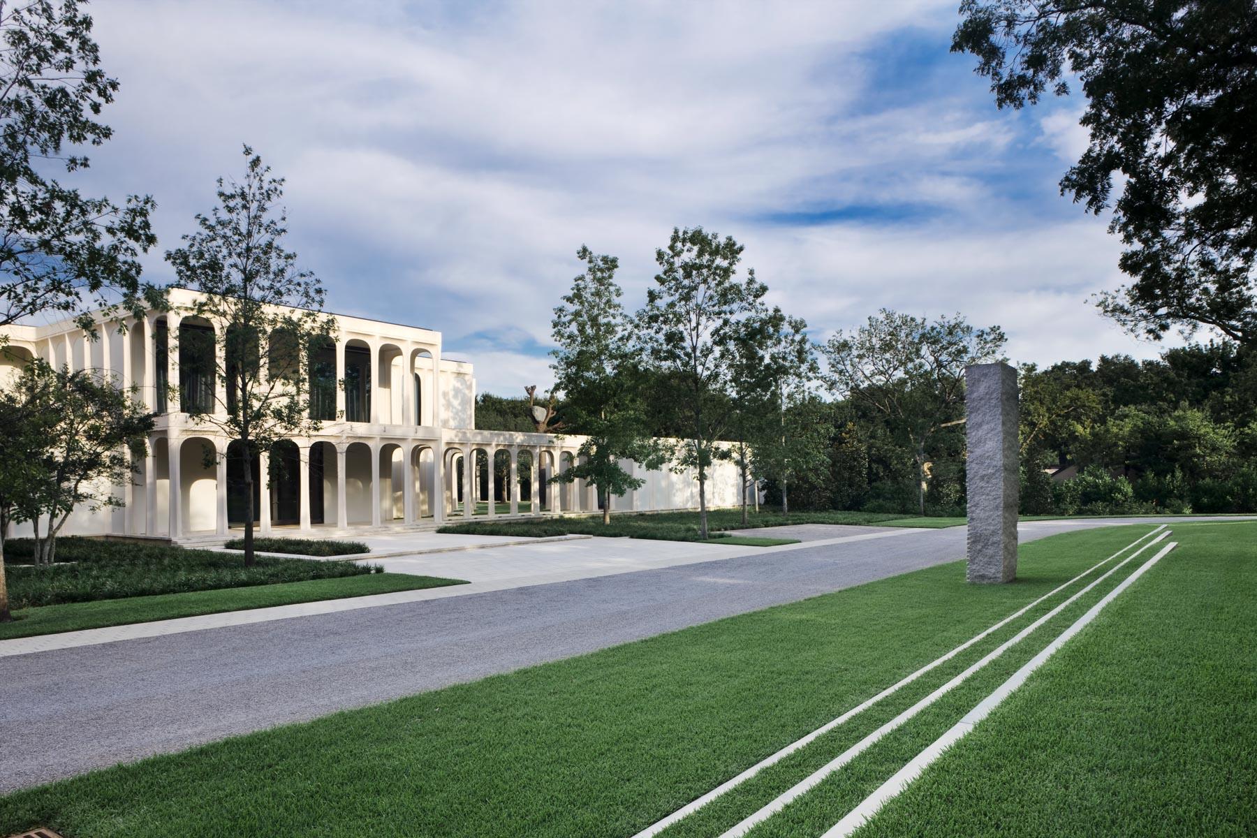 Casa Unifamiliar por un Venta en Philip Johnson Masterpiece 10210 Strait Ln Dallas, Texas 75229 Estados Unidos