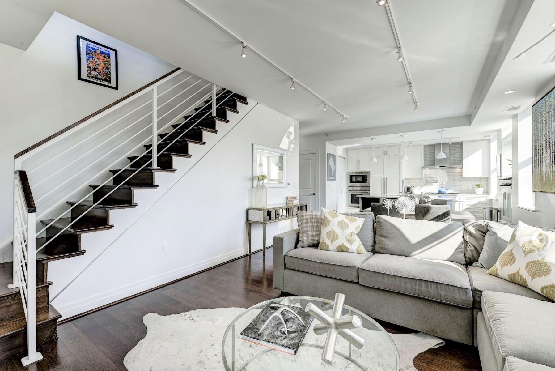 Additional photo for property listing at 3052 R Street Nw 303, Washington  Washington, Distrito De Columbia 20007 Estados Unidos