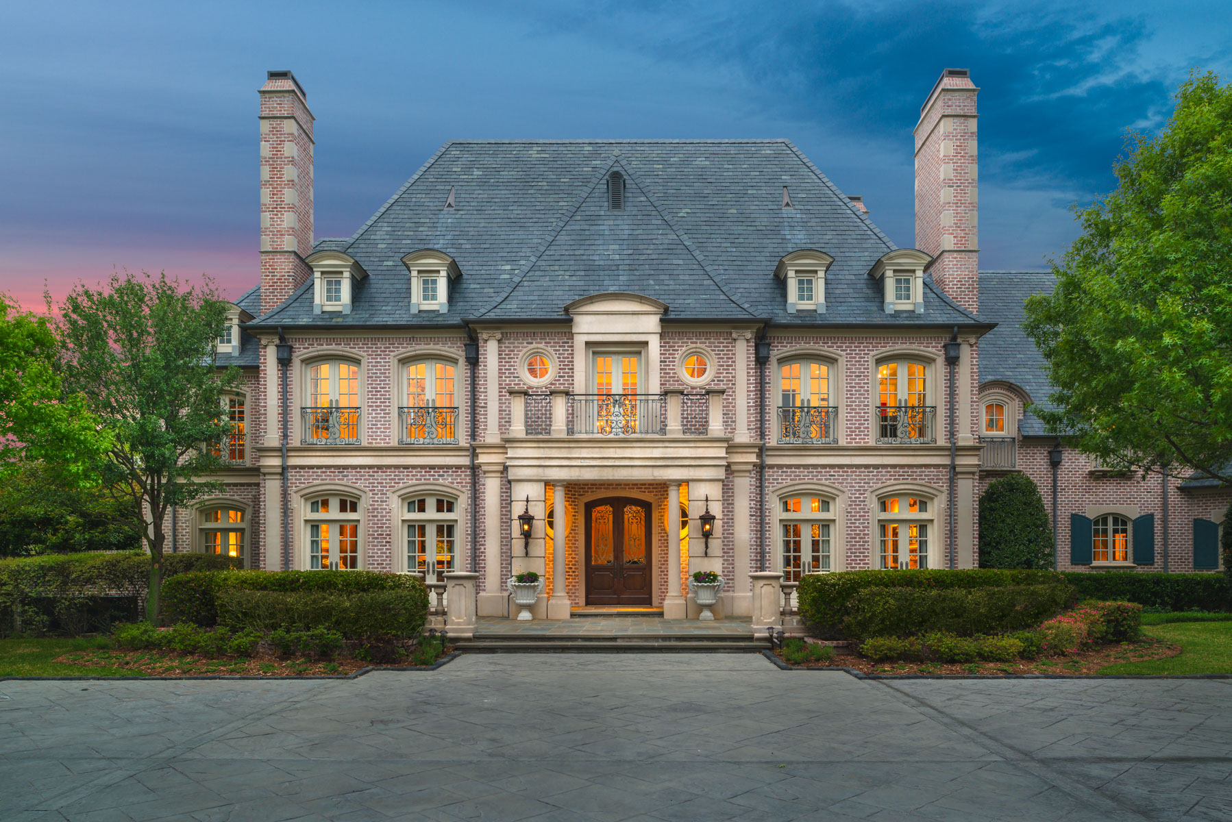 단독 가정 주택 용 매매 에 Glen Abbey Estate, French Country 2 Abbey Woods Ln Dallas, 텍사스, 75248 미국
