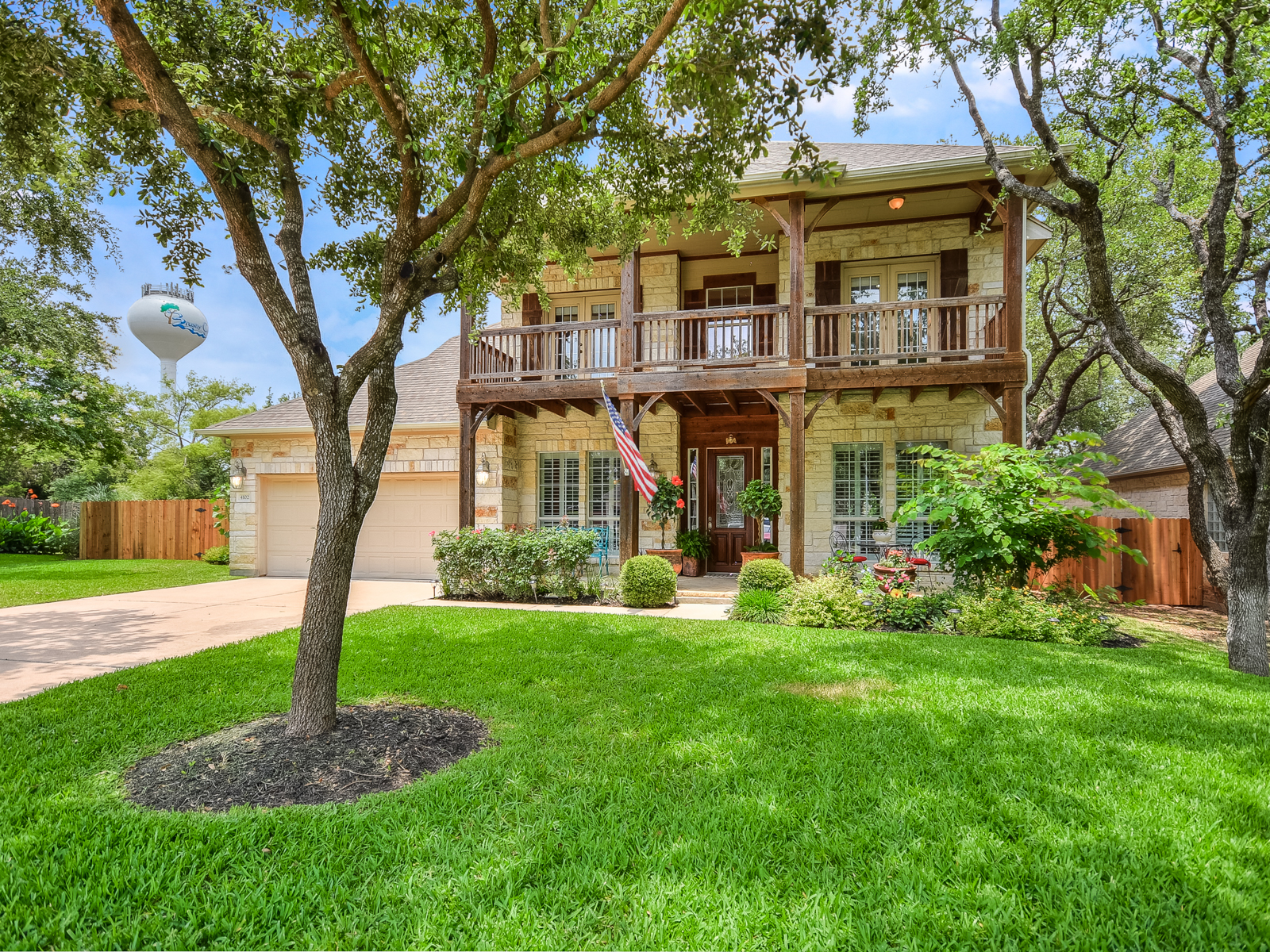 Casa Unifamiliar por un Venta en Gorgeous Streetman Home in Sendero Springs 4102 Risa Ct Round Rock, Texas 78681 Estados Unidos