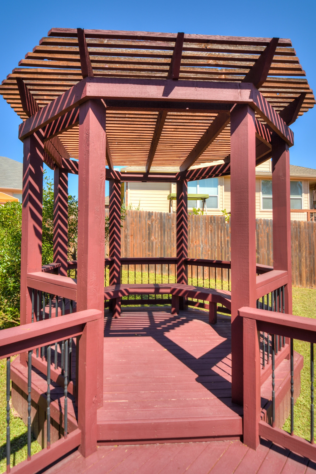 Additional photo for property listing at Beautiful Gem in Iron Horse Canyon 10643 Ashwell Helotes, Texas 78023 Estados Unidos