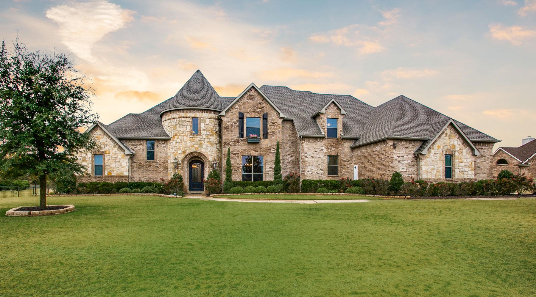 Einfamilienhaus für Verkauf beim Resort Like Executive Estate 180 Whistling Duck Ln Double Oak, Texas, 75077 Vereinigte Staaten