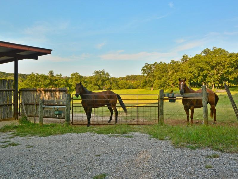 Additional photo for property listing at 8900 Wimberly Cv, Austin  Austin, Texas 78735 Estados Unidos