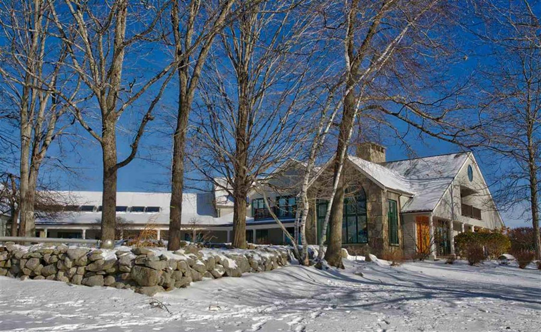 Single Family Home for Sale at 84 Canaan Back, Barrington Barrington, New Hampshire 03825 United States