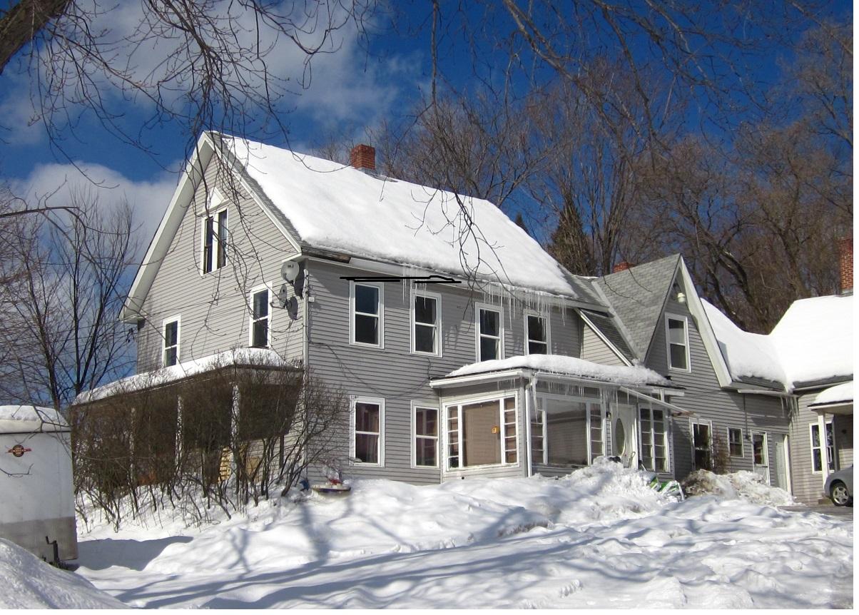 多户住宅 为 销售 在 Investment opportunity 211 North 克莱尔蒙特, 新罕布什尔州 03743 美国