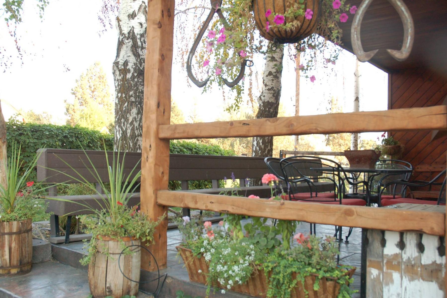 独户住宅 为 销售 在 136 NE Owens Road, PRINEVILLE 136 NE Owens Rd 普林维尔, 俄勒冈州, 97754 美国
