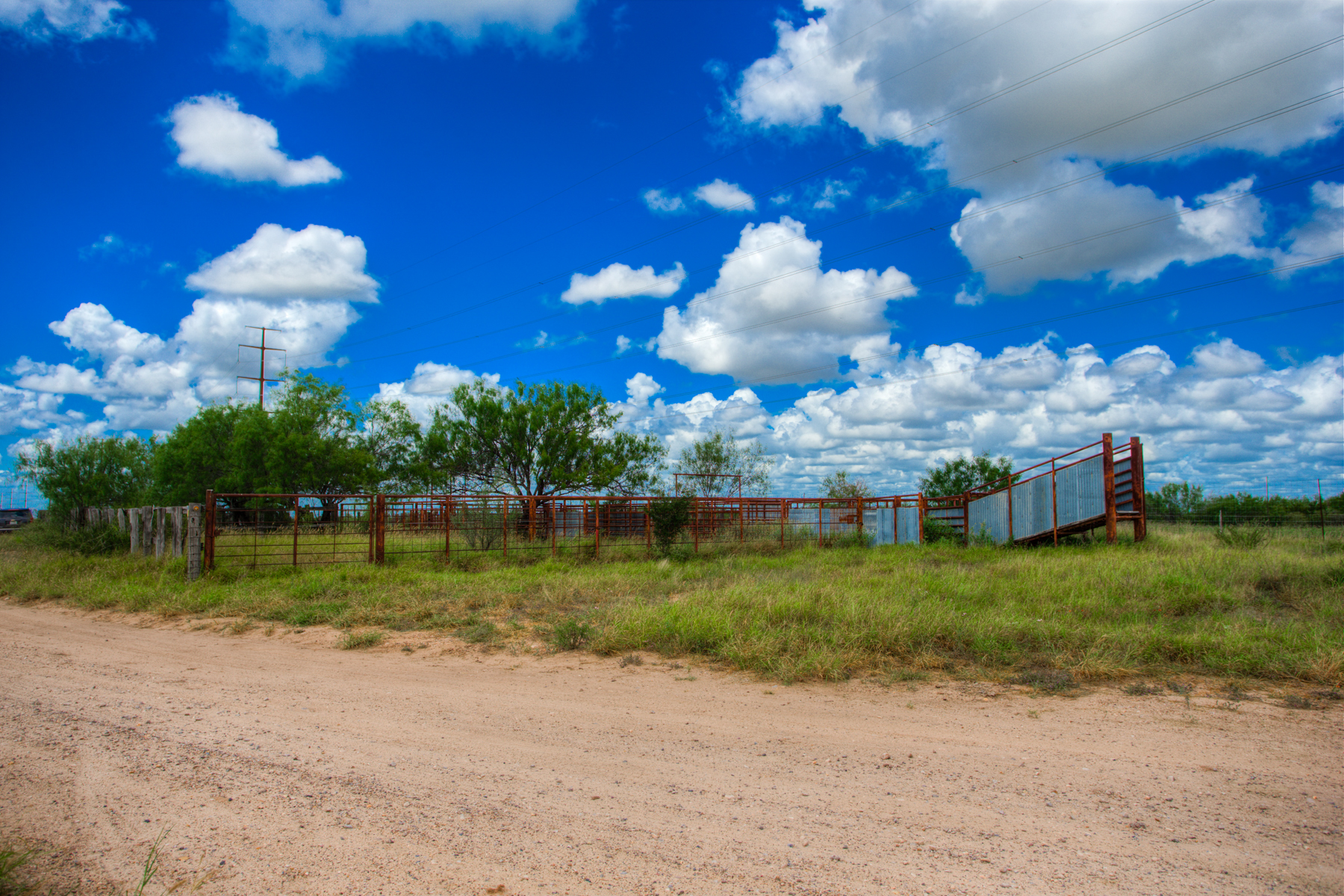 Additional photo for property listing at Breathtaking Las Moritas Ranch 3845 Acres Wormser Rd Laredo, Texas 78043 Estados Unidos