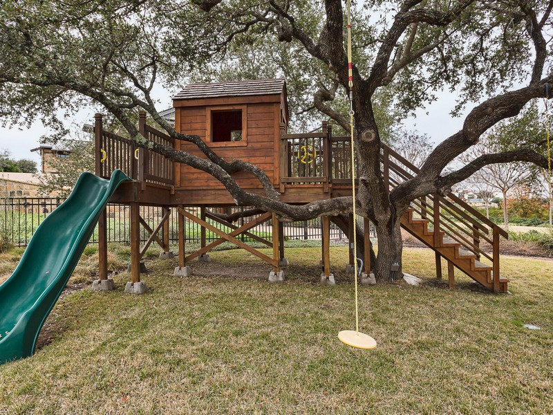 Additional photo for property listing at 5221 Musket Cv, Austin  Austin, Texas 78738 United States