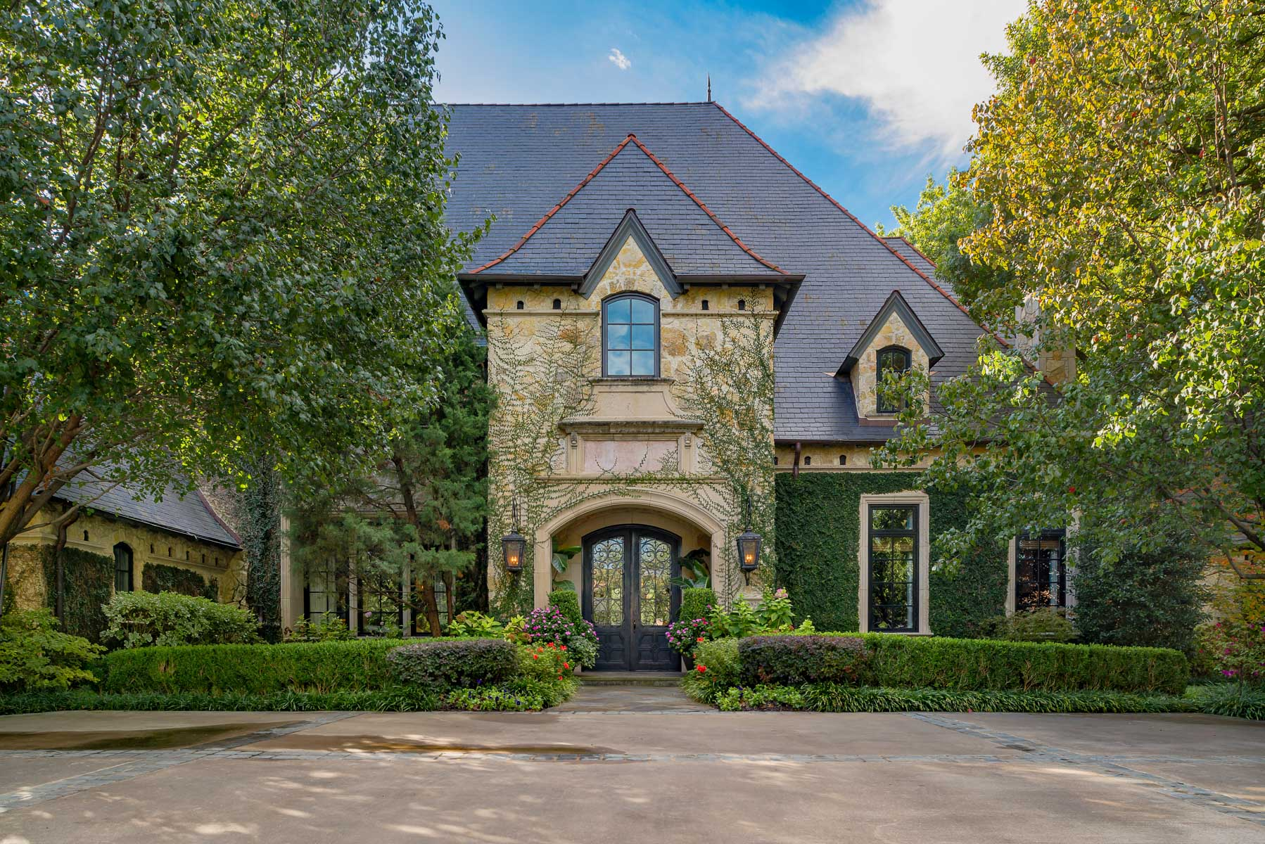 Maison unifamiliale pour l Vente à Preston Hollow Estate 5828 Woodland Dr Dallas, Texas, 75225 États-Unis