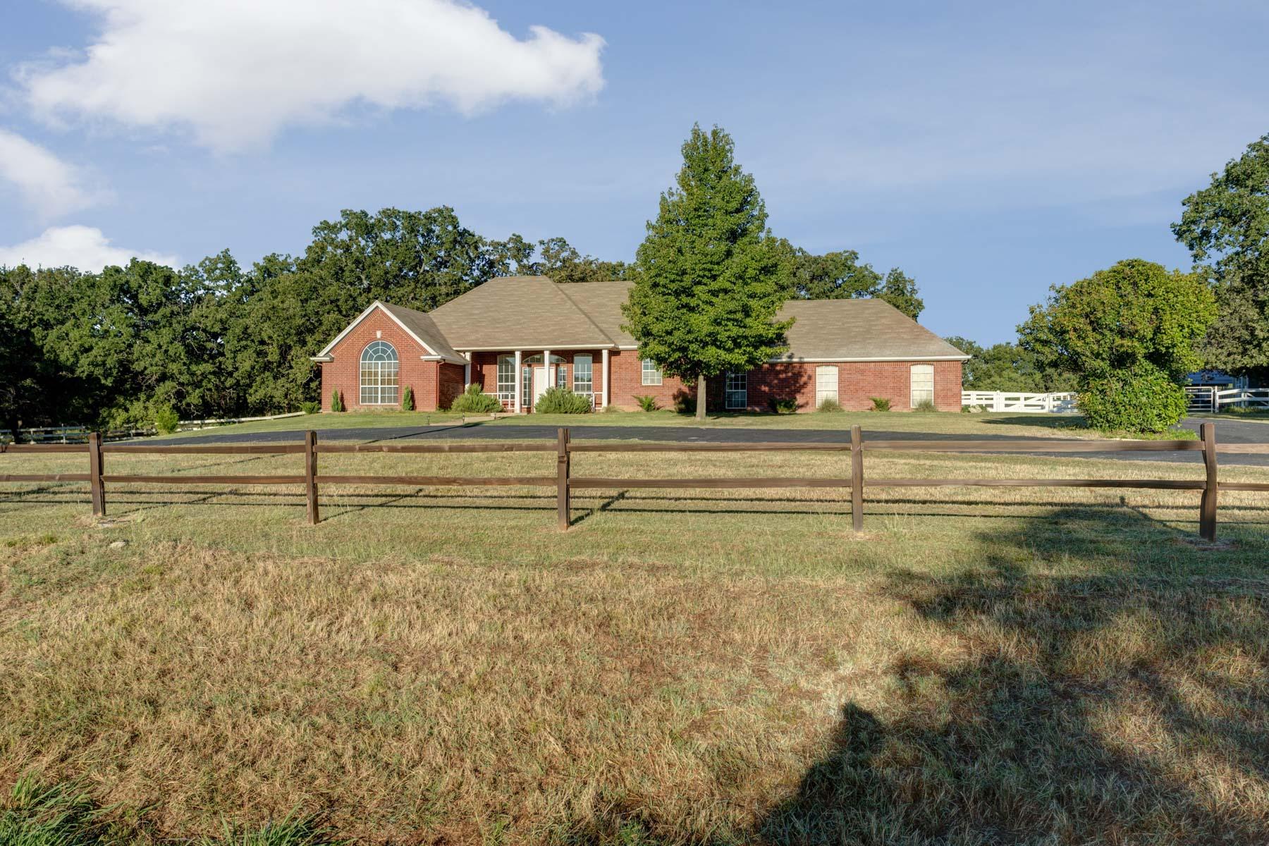 Vivienda unifamiliar por un Venta en 3550 Old Dennis Road, Weatherford 3550 Old Dennis Rd Weatherford, Texas 76087 Estados Unidos