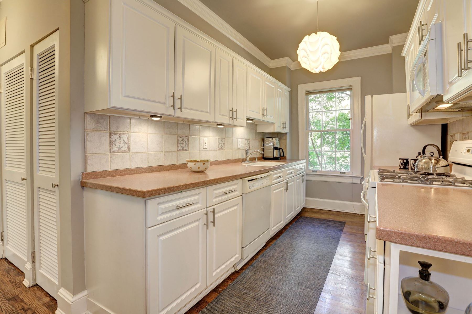 Additional photo for property listing at 1661 Crescent Place Nw 210, Washington  Washington, District Of Columbia 20009 Verenigde Staten