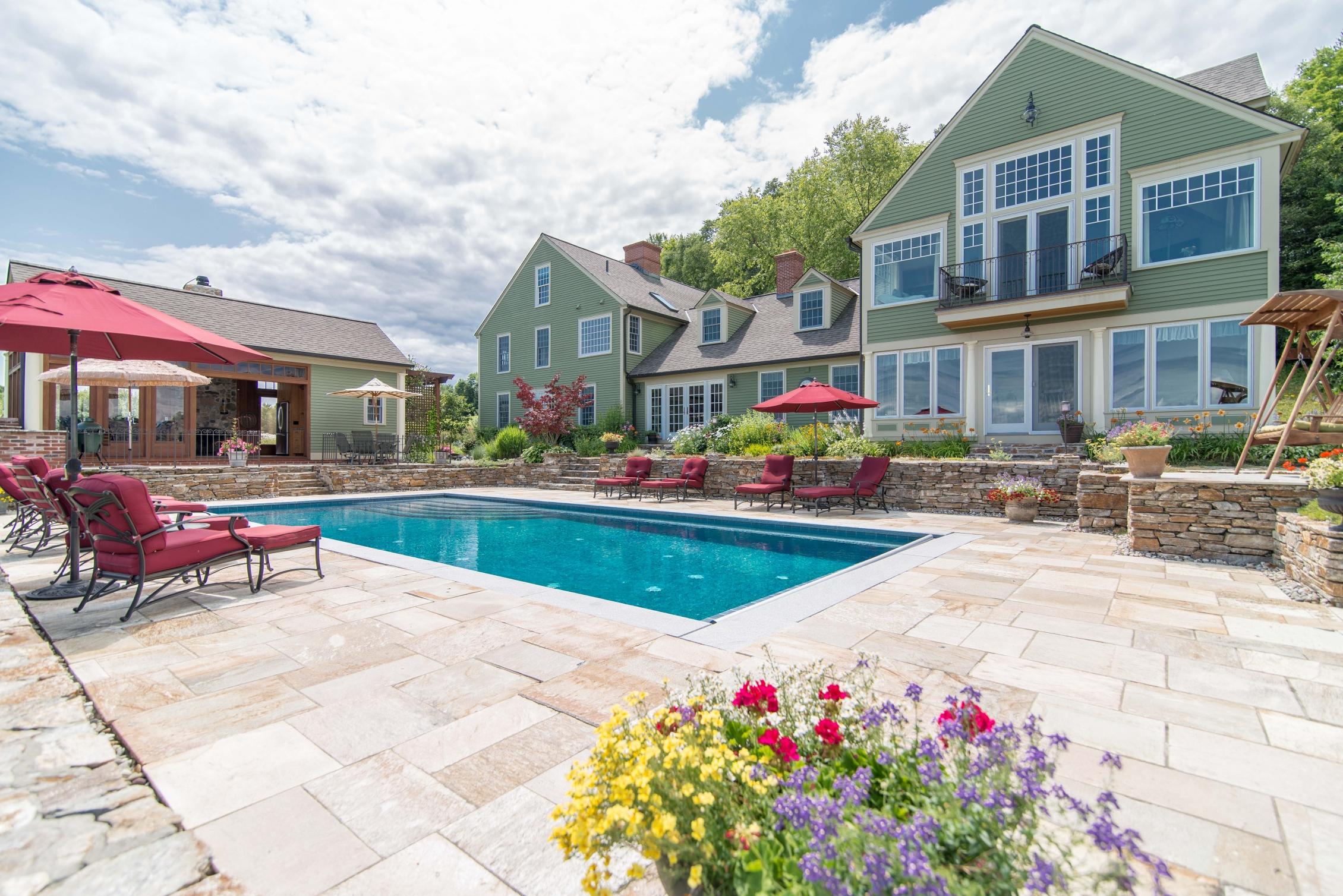 Maison unifamiliale pour l Vente à 354 Dutton Hill Rd, Norwich Norwich, Vermont, 05055 États-Unis