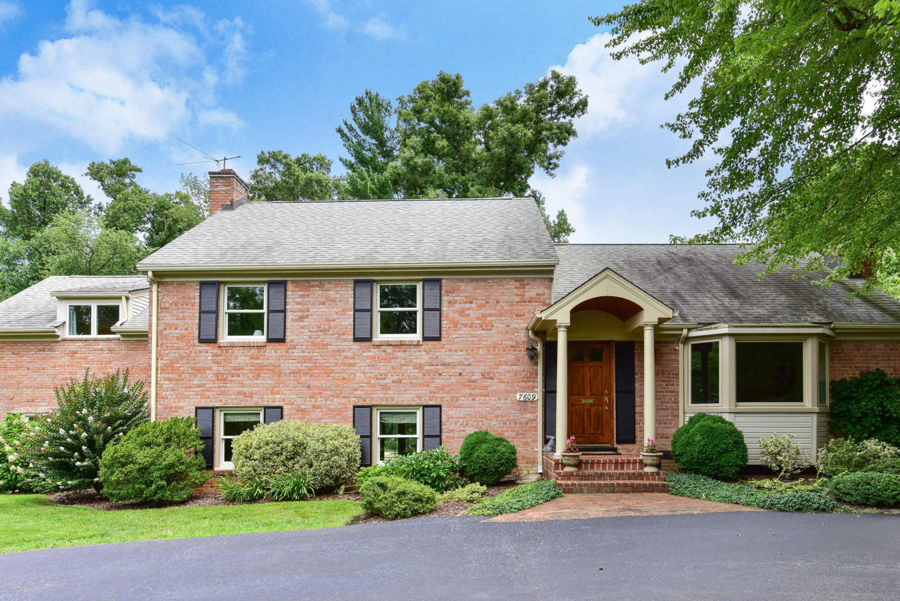 Additional photo for property listing at Wellington Heights 7609 Ridgecrest Dr Alexandria, バージニア 22308 アメリカ合衆国