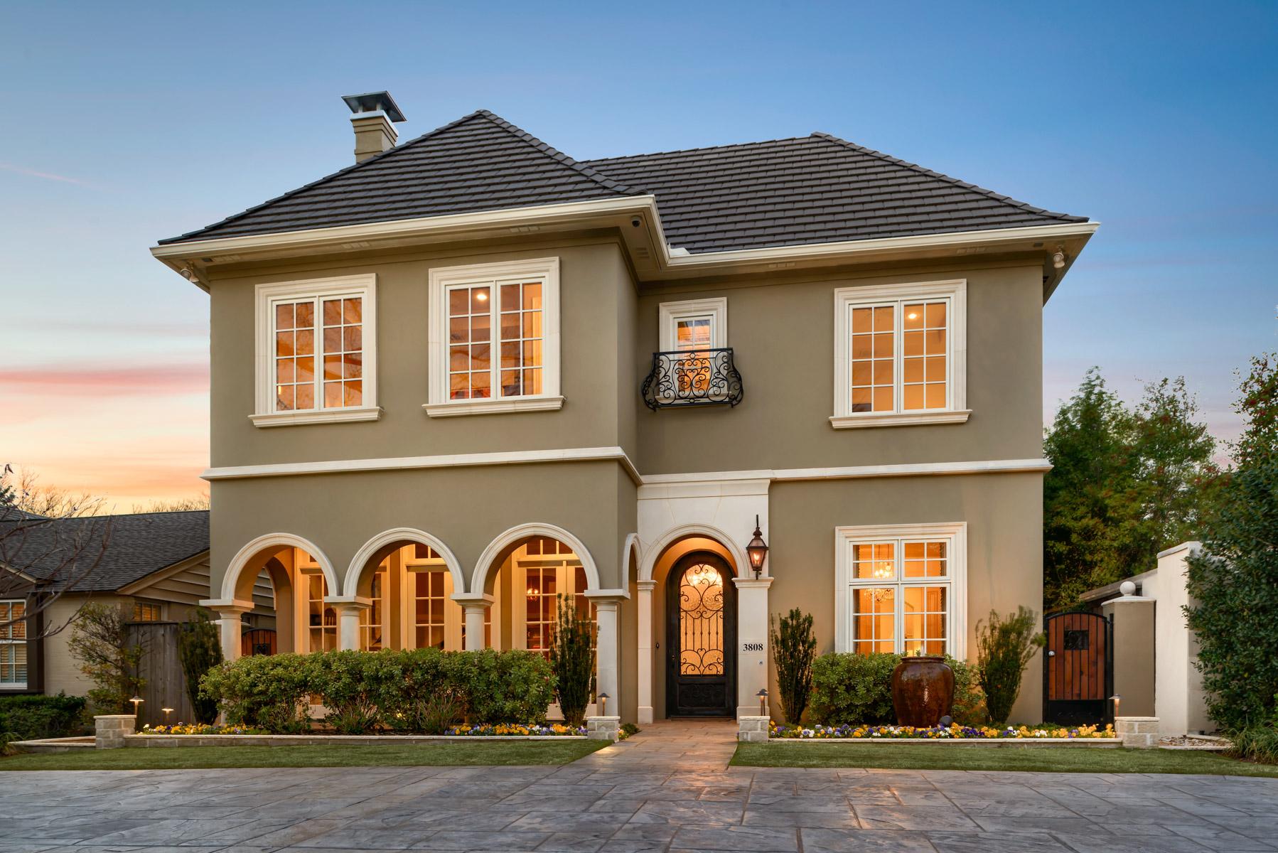 Maison unifamiliale pour l Vente à University Park Traditional 3808 Bryn Mawr Dr Dallas, Texas, 75225 États-Unis