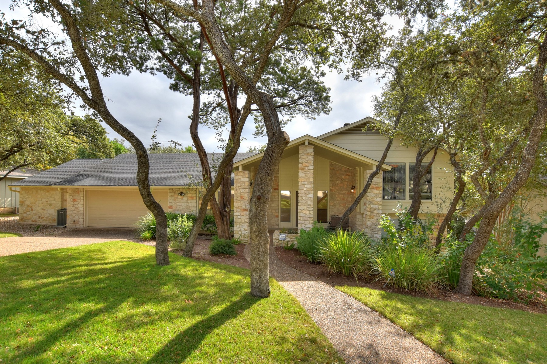 Single Family Home for Sale at Amazing Family Home in Northwest Hills 4603 Small Dr Austin, Texas 78731 United States
