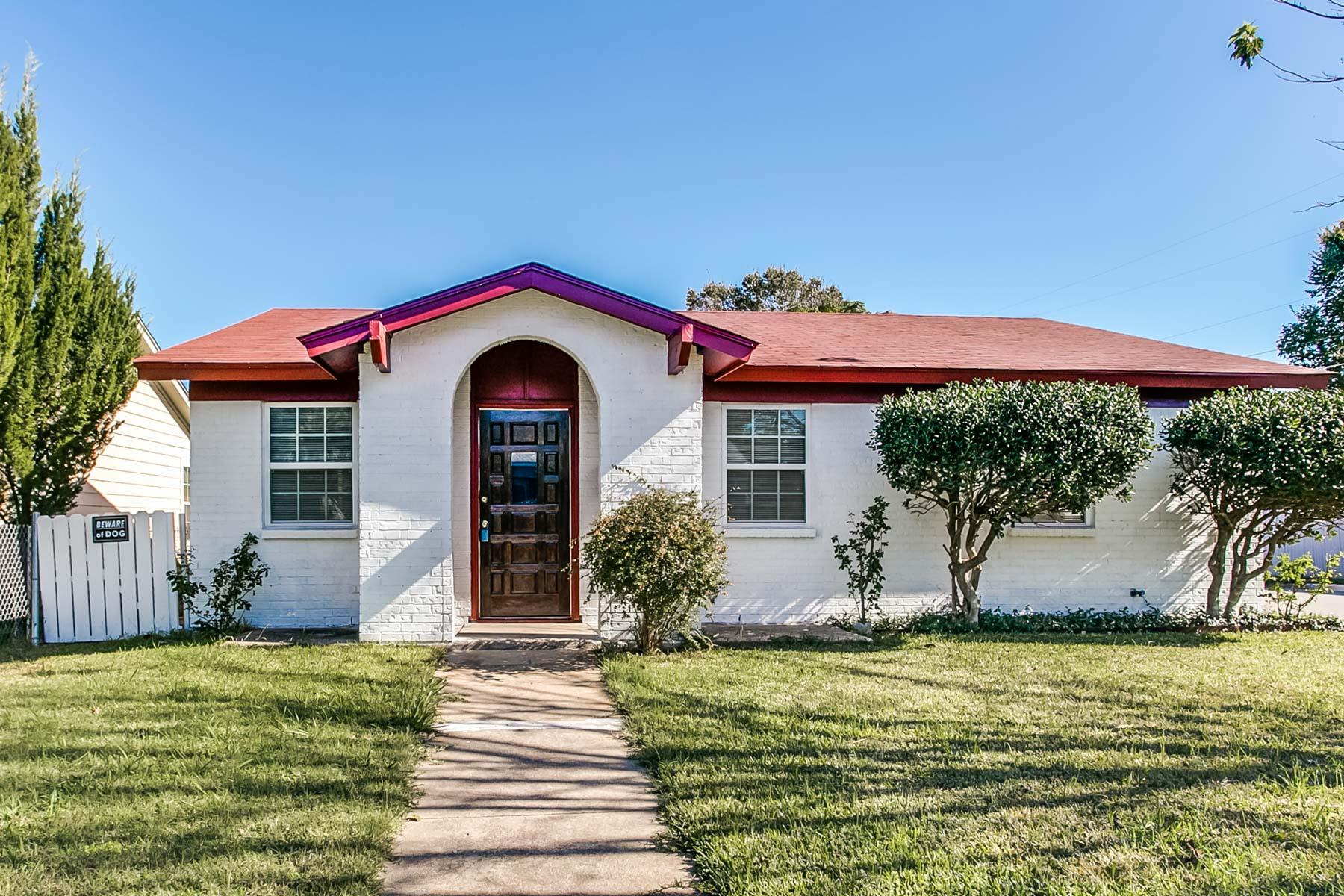 Einfamilienhaus für Verkauf beim 3643 College Ave, Fort Worth Fort Worth, Texas, 76110 Vereinigte Staaten