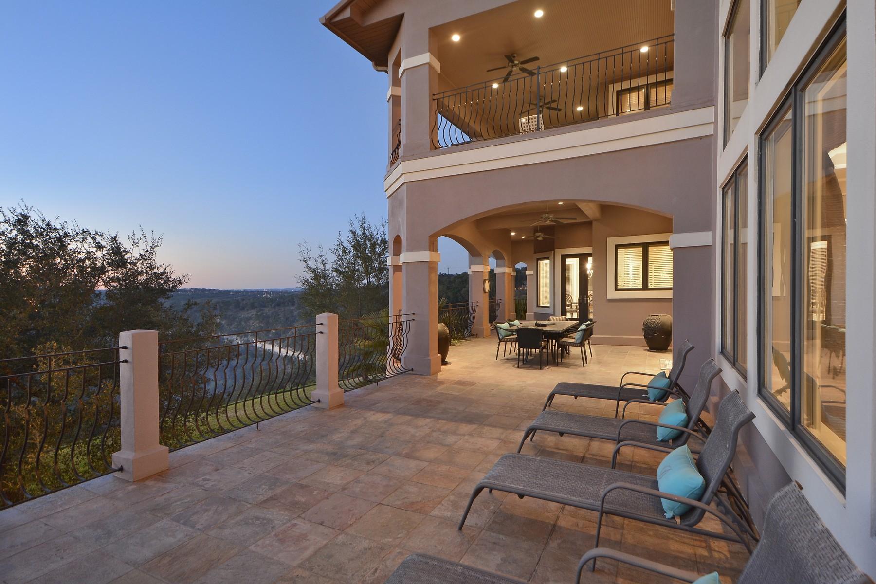 Casa Unifamiliar por un Venta en Stunning Transitional Home on 5+/- Acres 10901 W Highway 71 Austin, Texas 78735 Estados Unidos