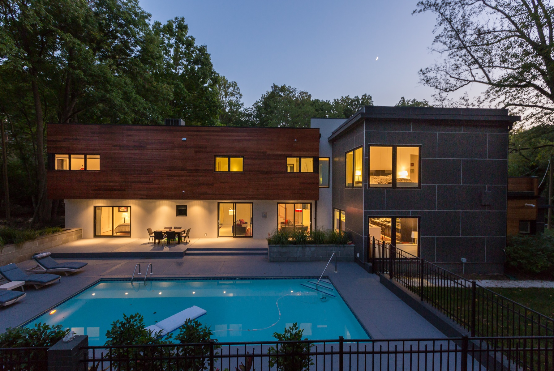 Additional photo for property listing at 6309 Bradley Boulevard, Bethesda 6309 Bradley Blvd Bethesda, Maryland 20817 Estados Unidos