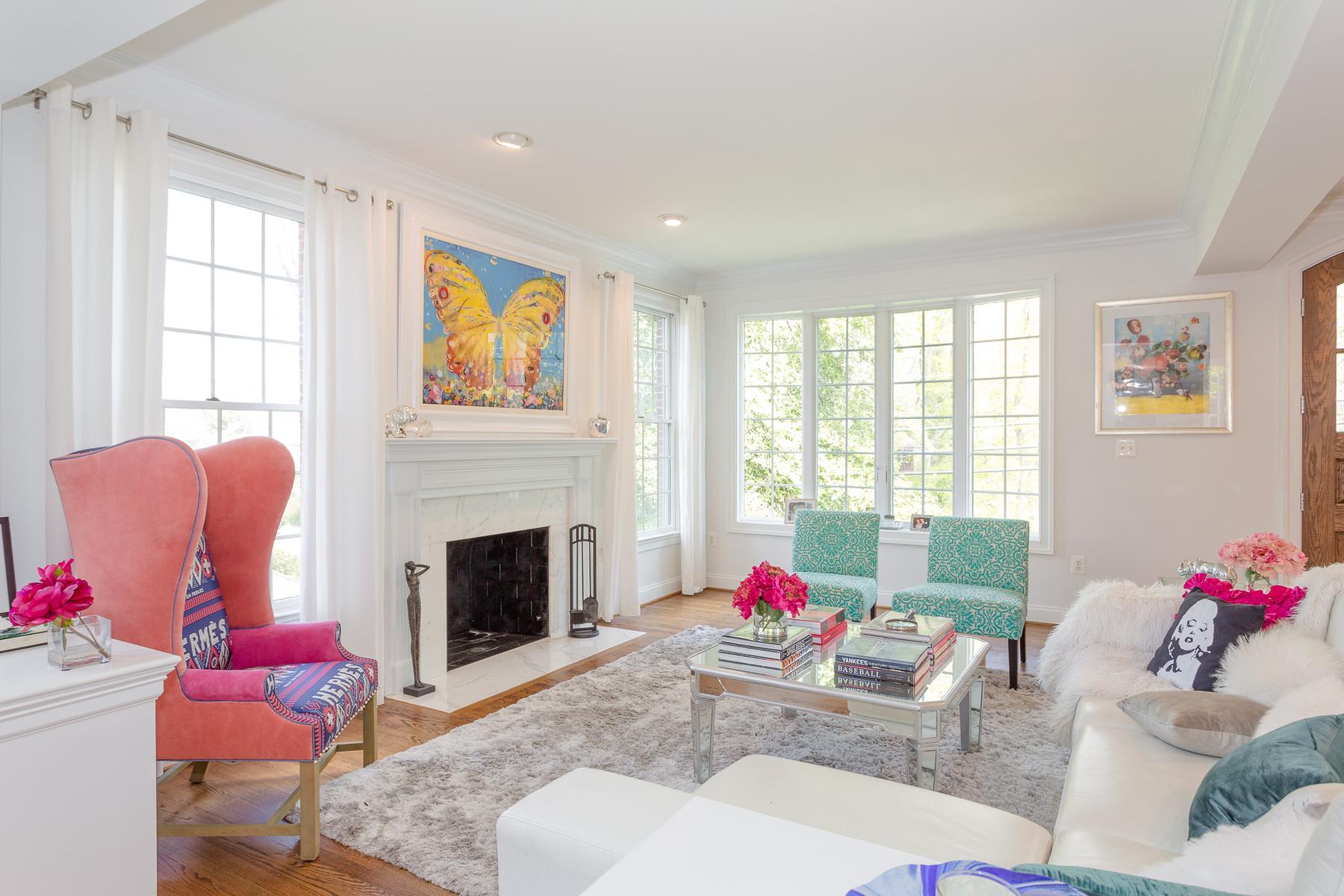 独户住宅 为 销售 在 Arlingwood 4020 Randolph Street N 阿林顿, 弗吉尼亚州, 22207 美国