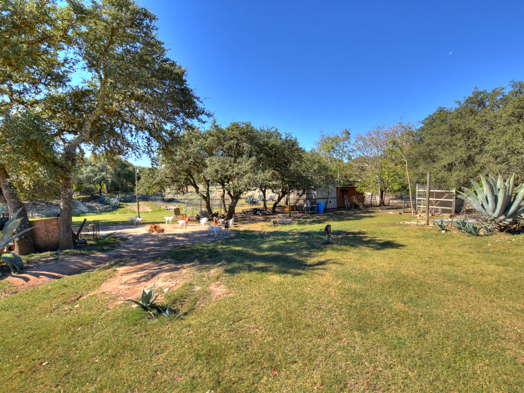 Additional photo for property listing at 15021 W HWY 71 15021 W State HWY 71 Austin, Texas 78738 Estados Unidos